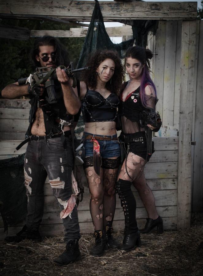 belle ragazze post apocalittico 1